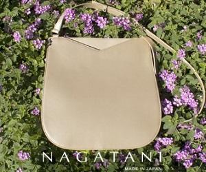 季節に似合う軽やかなバッグ
