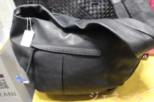 SWAN ホースレザー 本革ボディバッグ