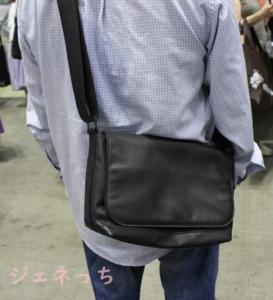 RANDY ホースレザー 本革メッセンジャーバッグ 身につけてみた