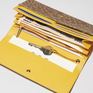 ニナリッチ 長財布 開けるとこんな感じ